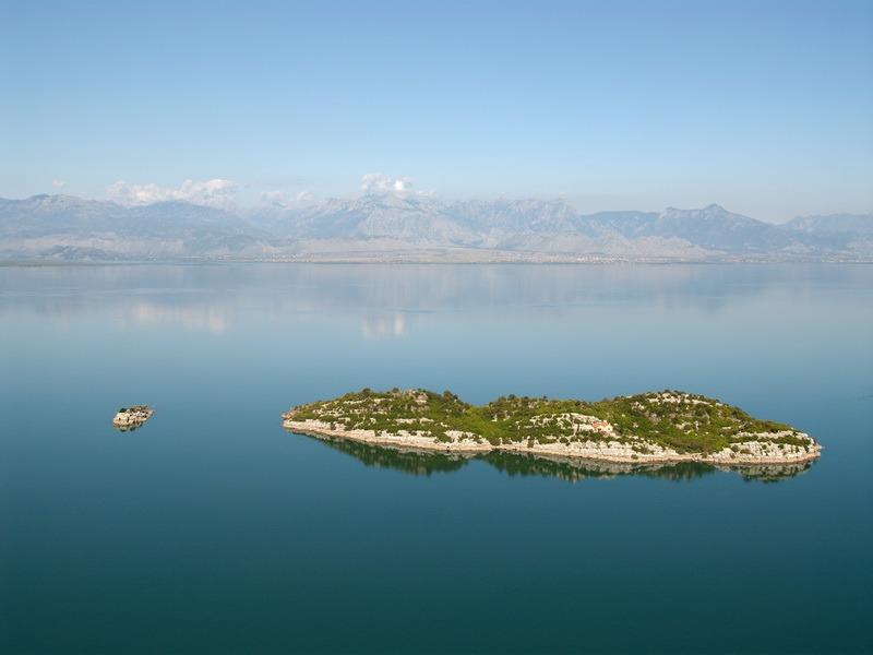 skadarsko jezero i manastir