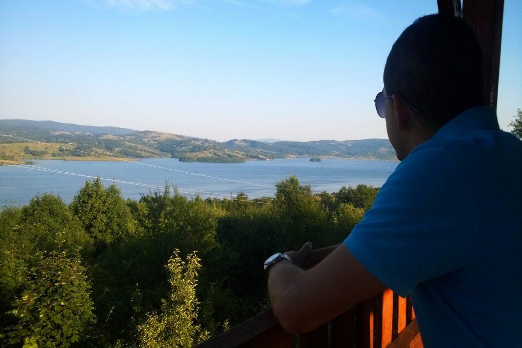 Vidikovac na vlasinskom jezeru