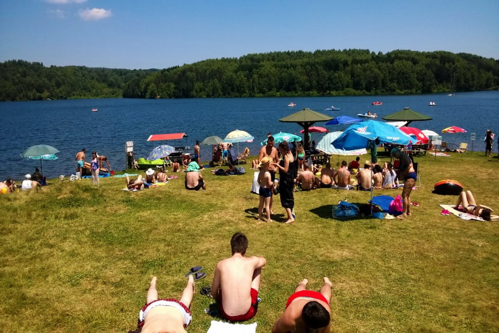 Vlasinsko jezero glavna plaža