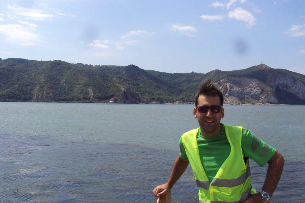 Dunav i tvrđava Golubac u pozadini
