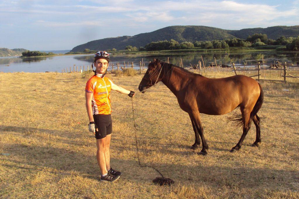 Sa konjem pored našeg mora - Dunava