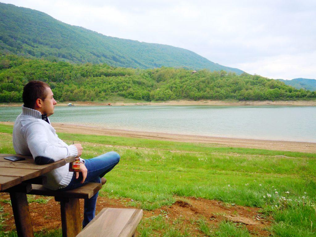 Na zavojskom jezeru