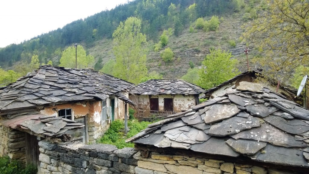 gostuša kameno selo