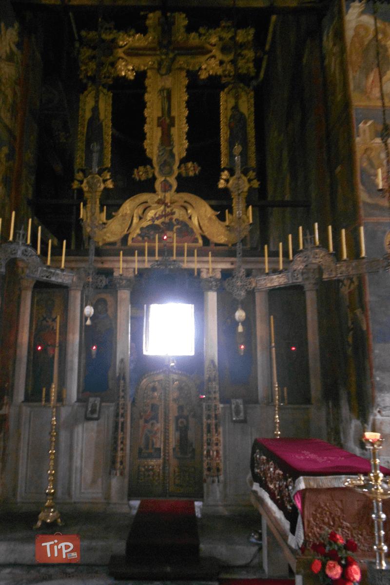 Dečani - oltar i mošti