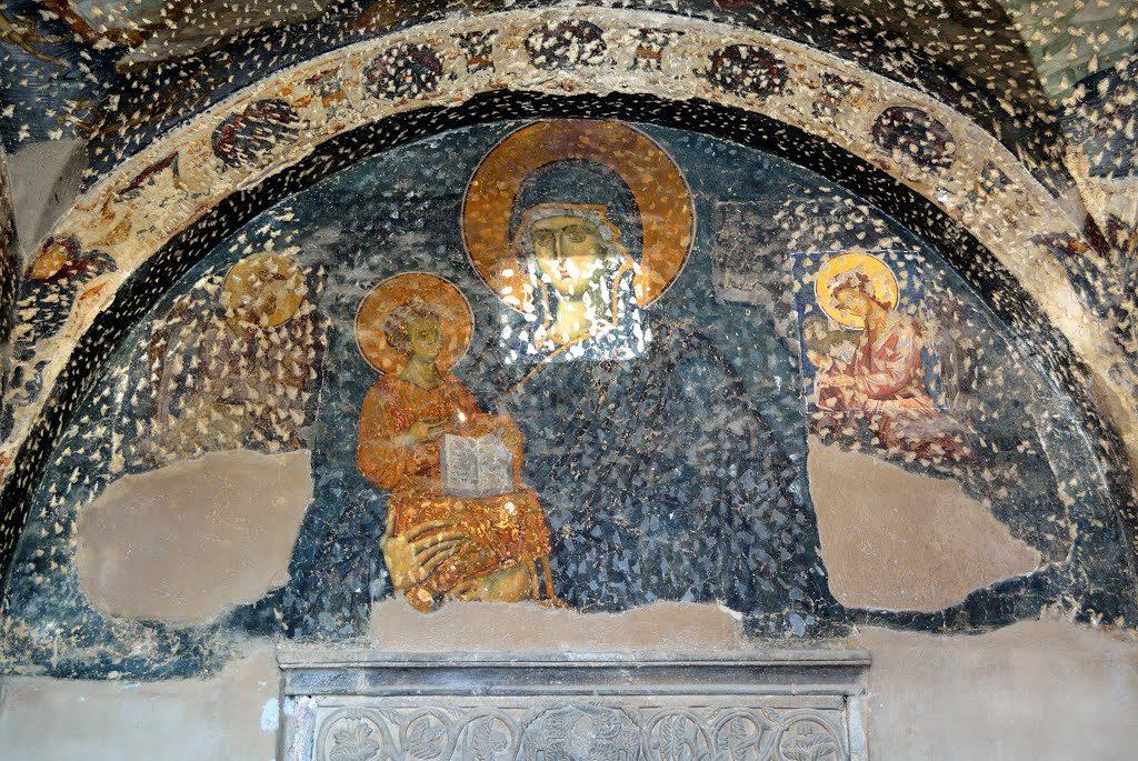freska-presvete-bogorodice-u-manastiru-bogorodica-ljeviska-photo-by-vladanscekic
