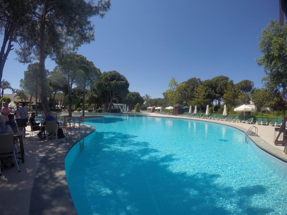 antalija-hotel-bazen