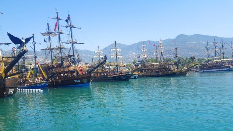 krstarenje brodom u alanji