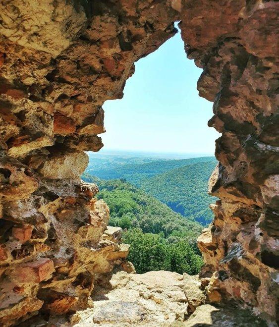 Pogled sa Vrdničke kule, banja Vrdnik